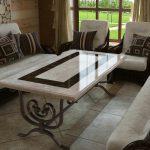 [:ru]Мраморный и гранитный стол в интерьере[:]