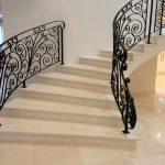 [:ru]Лестница  из натурального камня: гранит или мрамор? [:]
