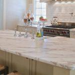 [:ru]Мраморная столешница для кухни и ванны – как выбрать?[:]